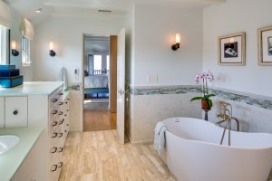 2013 - STONE-VAIL Bathroom 01